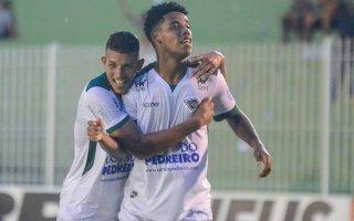 Resultado de imagem para Com hat-trick de Rincón, Cabofriense goleia Macabu em jogo-treino
